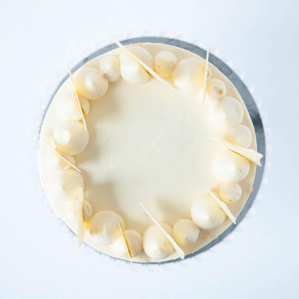 "8"" lemon white chocolate cake £65.00 buy online delivered London"