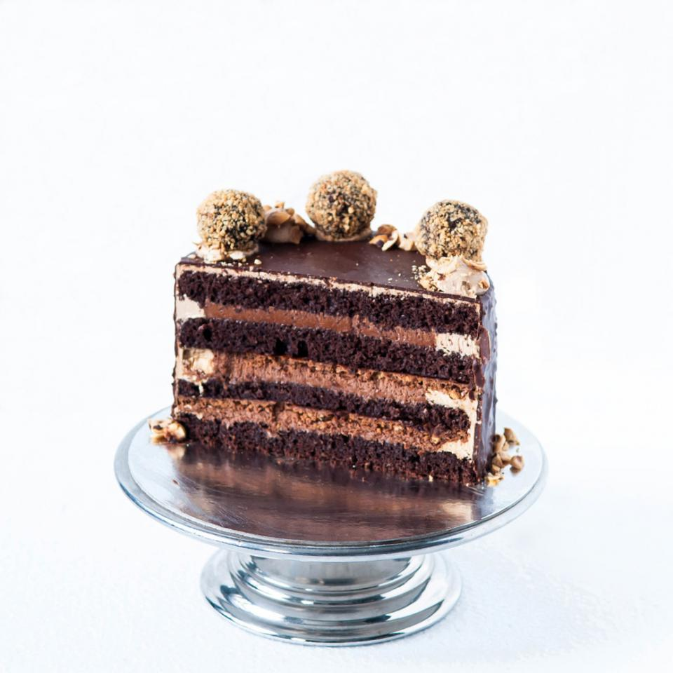 """8"""" chocolate hazelnut crunch cake order online £70.00 delivery in London"""