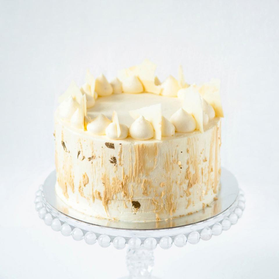 """Birthday 6"""" white chocolate cake buy online London delivery"""