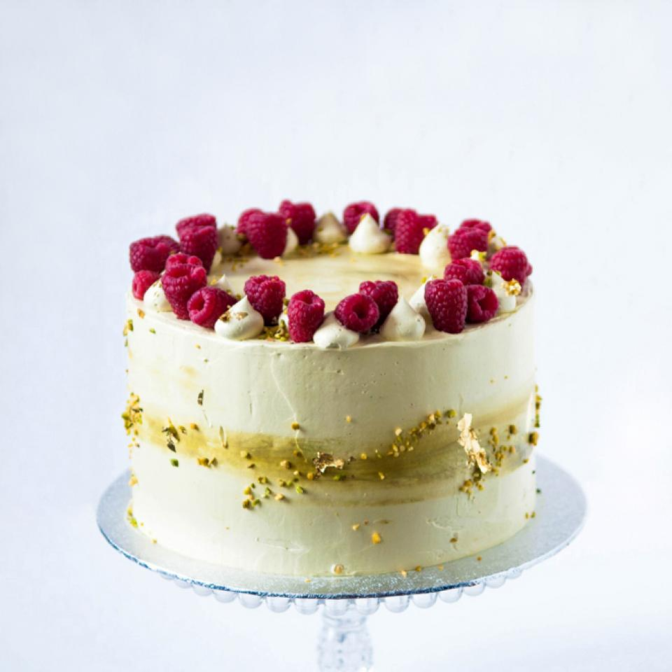 """10"""" pistachio raspberry cake £100.00 order online with London delivery"""