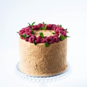 """6"""" honey caramel cake medovik buy online £50.00 delivered London"""